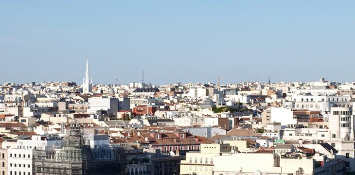El transporte colectivo limpia el cielo de Madrid